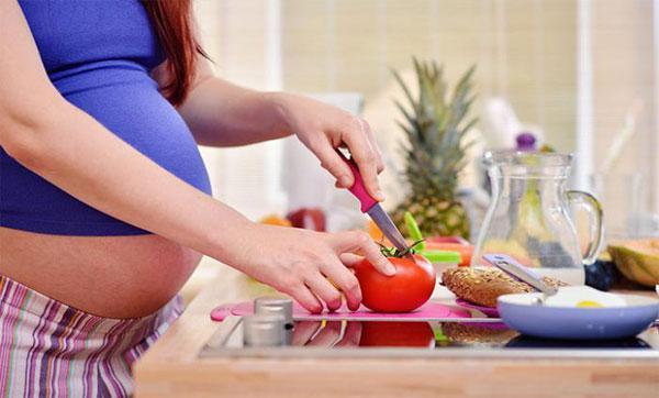 польза томата при беременности